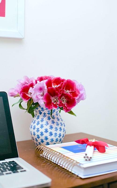 sister-parish-summer-house-vase