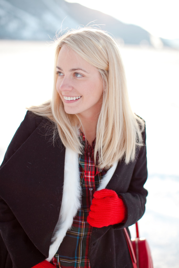 Jillian Attaway of Rhyme & Reason Fashion Blog Plaid Top, White Fur Vest, Black Coats, Red Gucci Purse, and Hunter Boots