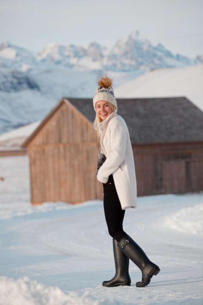 Rhyme & Reason Fashion Blog White Loft Coat, Topshop Pom Pom Beanie, Fair Isle Sweater, Frame Denim Black Jeans in Jackson Hole Wyoming