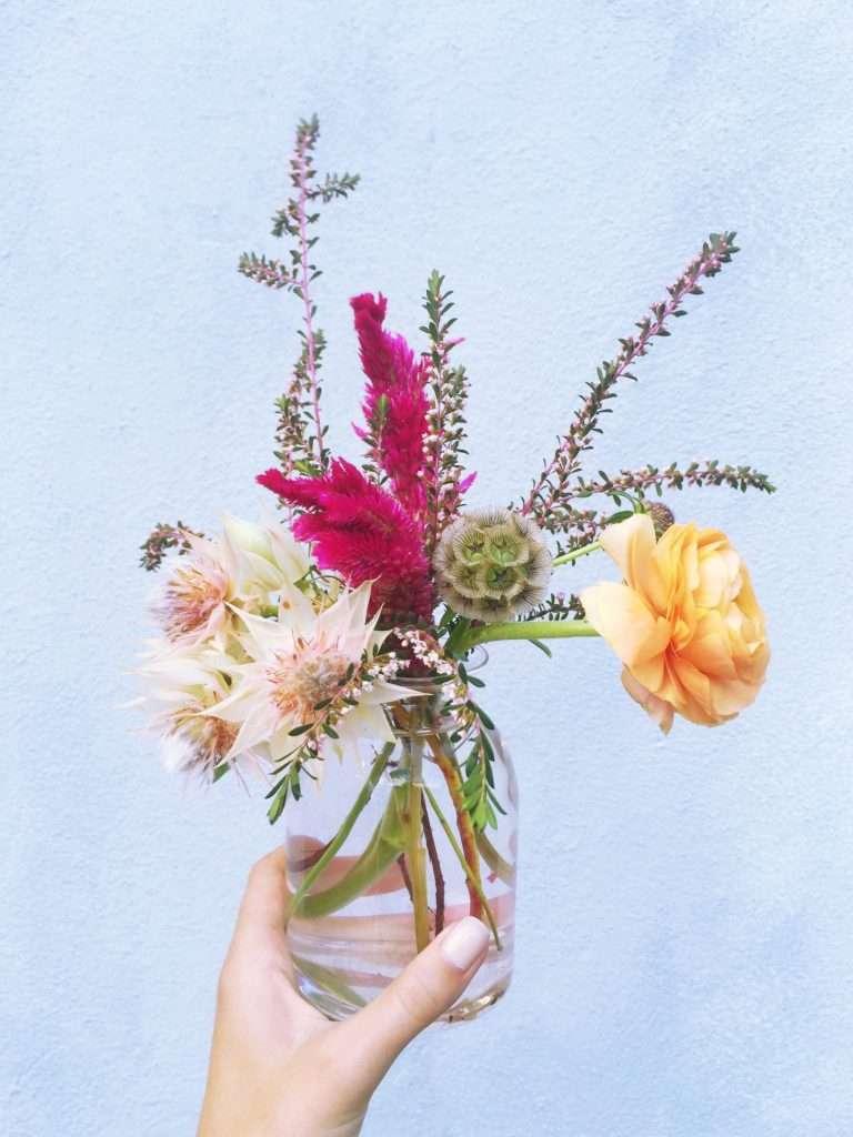 Flower Arranging in Charleston on Weekend Reads