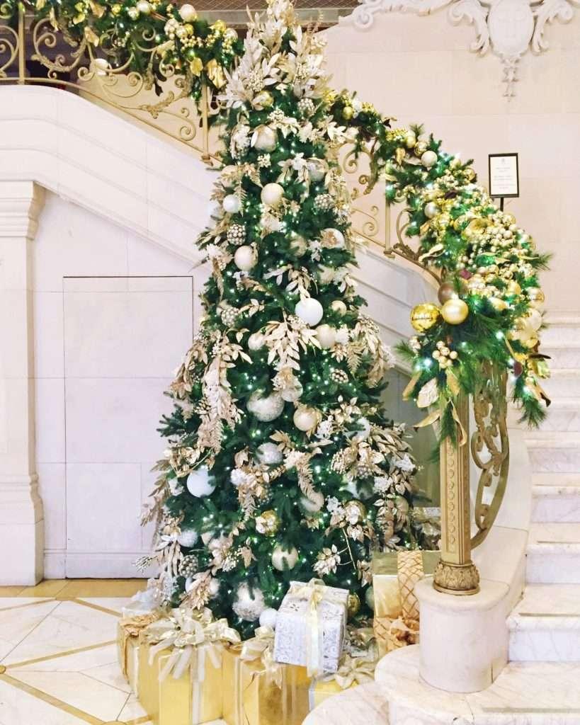 Weekend Reads Christmas Tree on Rhyme & Reason