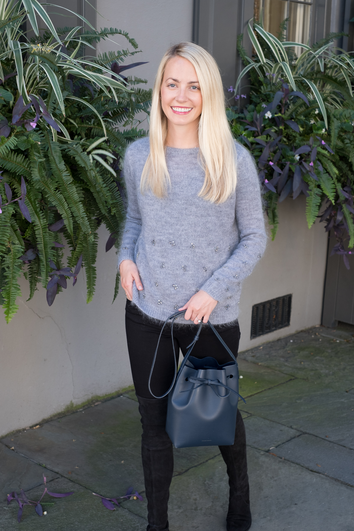 Cozy Gray Chunky Sweater with Black Jeans for Fall