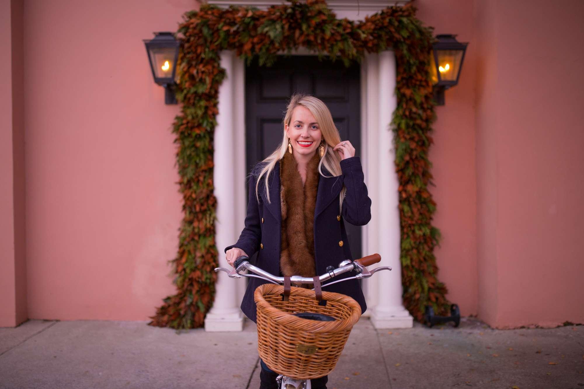 Christmas Bike Ride in Charleston on Rainbow Row // Rhyme & Reason