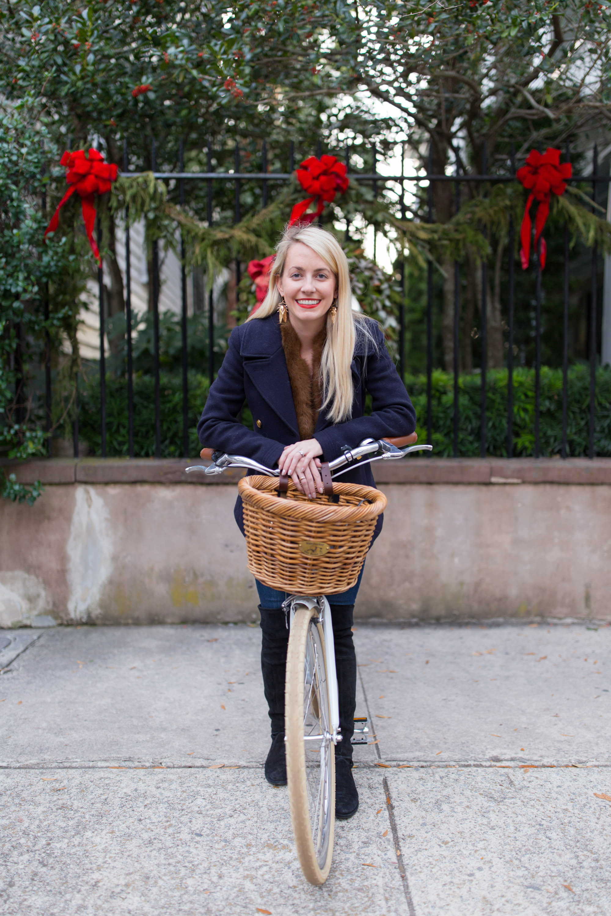 What to wear on a bike ride in Charleston // Rhyme & Reason