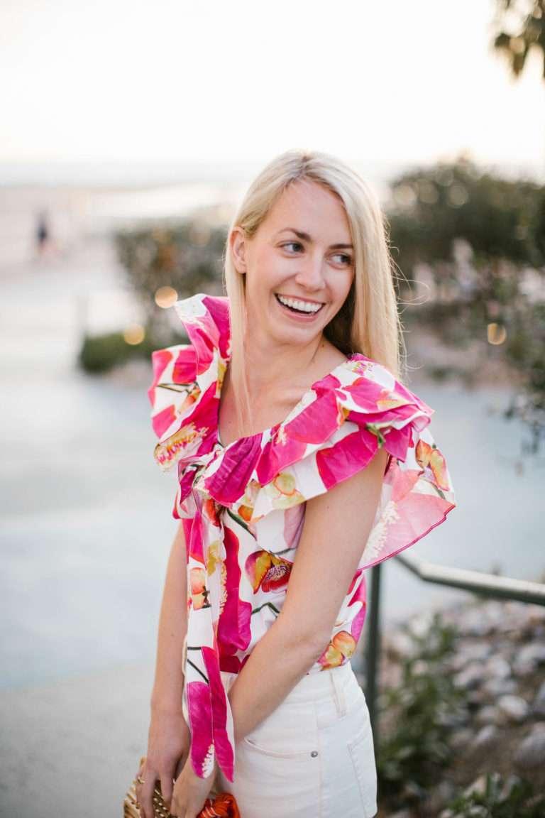 Spring wardrobe tip: wear bright, bold pink for a feminine fun look // Rhyme & Reason