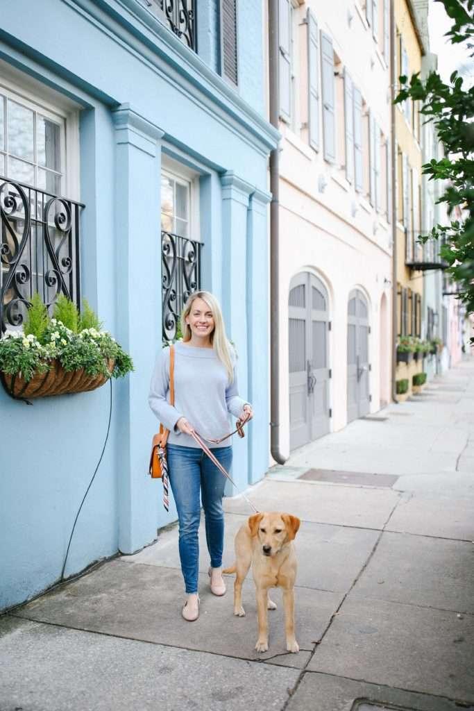 Exploring Charleston with a walk along Rainbow Row in the South of Broad neighborhood // Rhyme & Reason