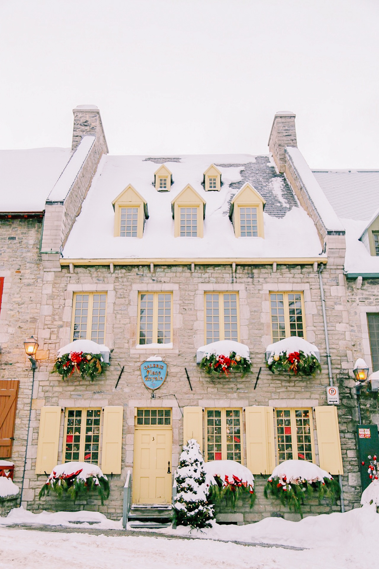 Quebec City Travel Guide including everything you need to know about where to stay, eat, drink, shop, and explore // Rhyme & Reason