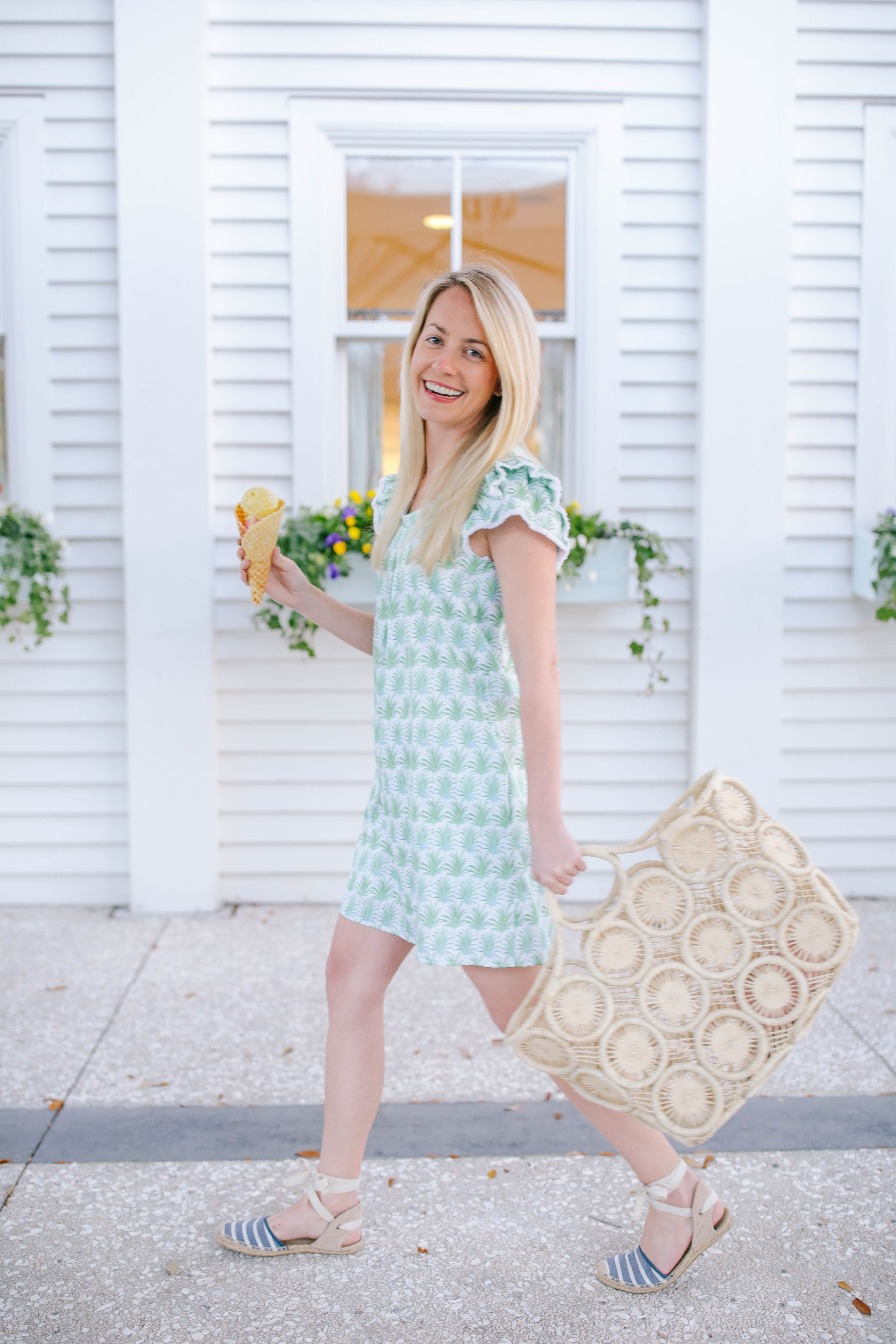 What to wear on a beach day this spring in Charleston // Rhyme & Reason