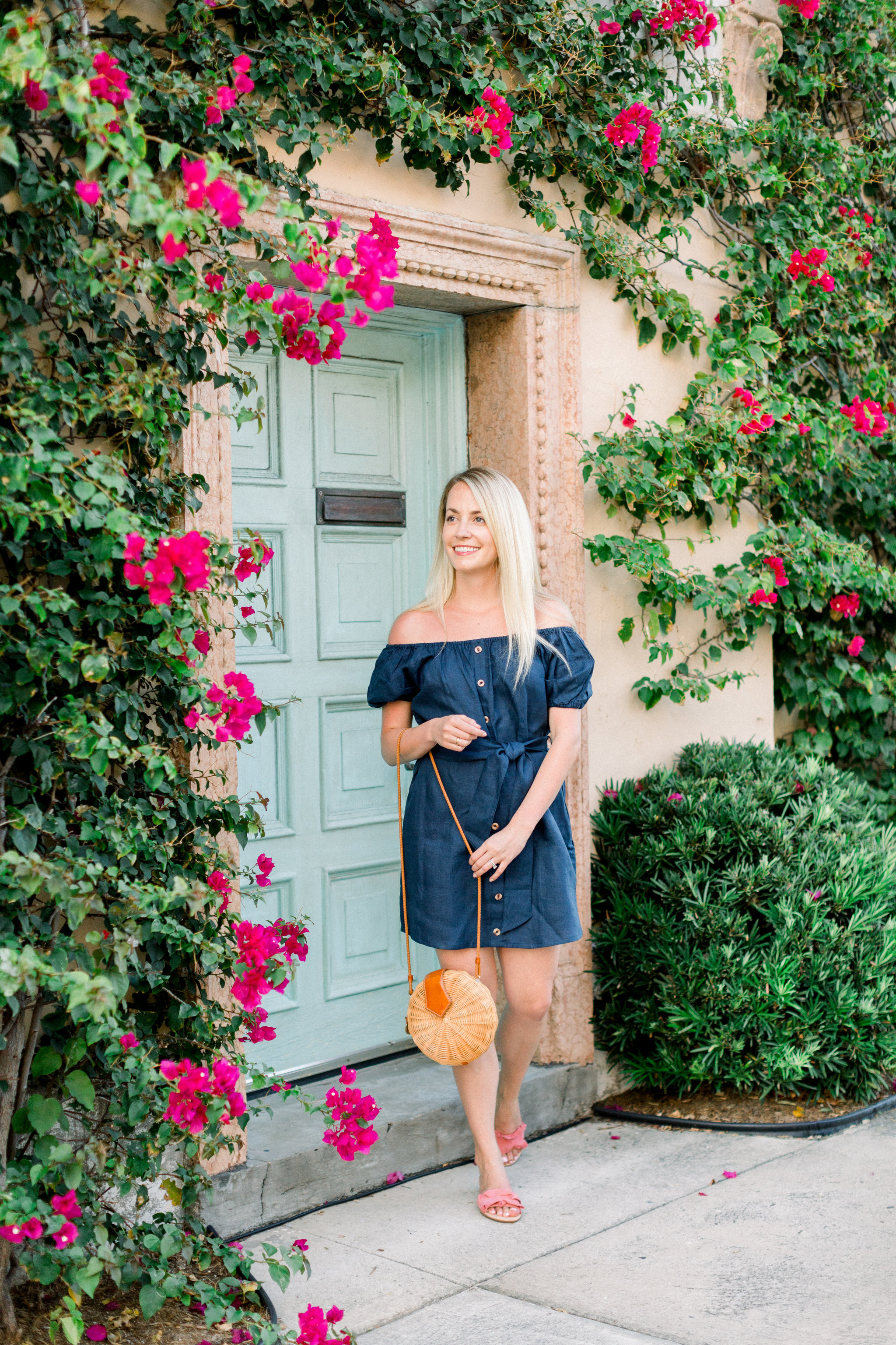 Navy outfit ideas that are perfect for summer including the cutest off the shoulder navy linen dress + where to shop it now // Rhyme & Reason