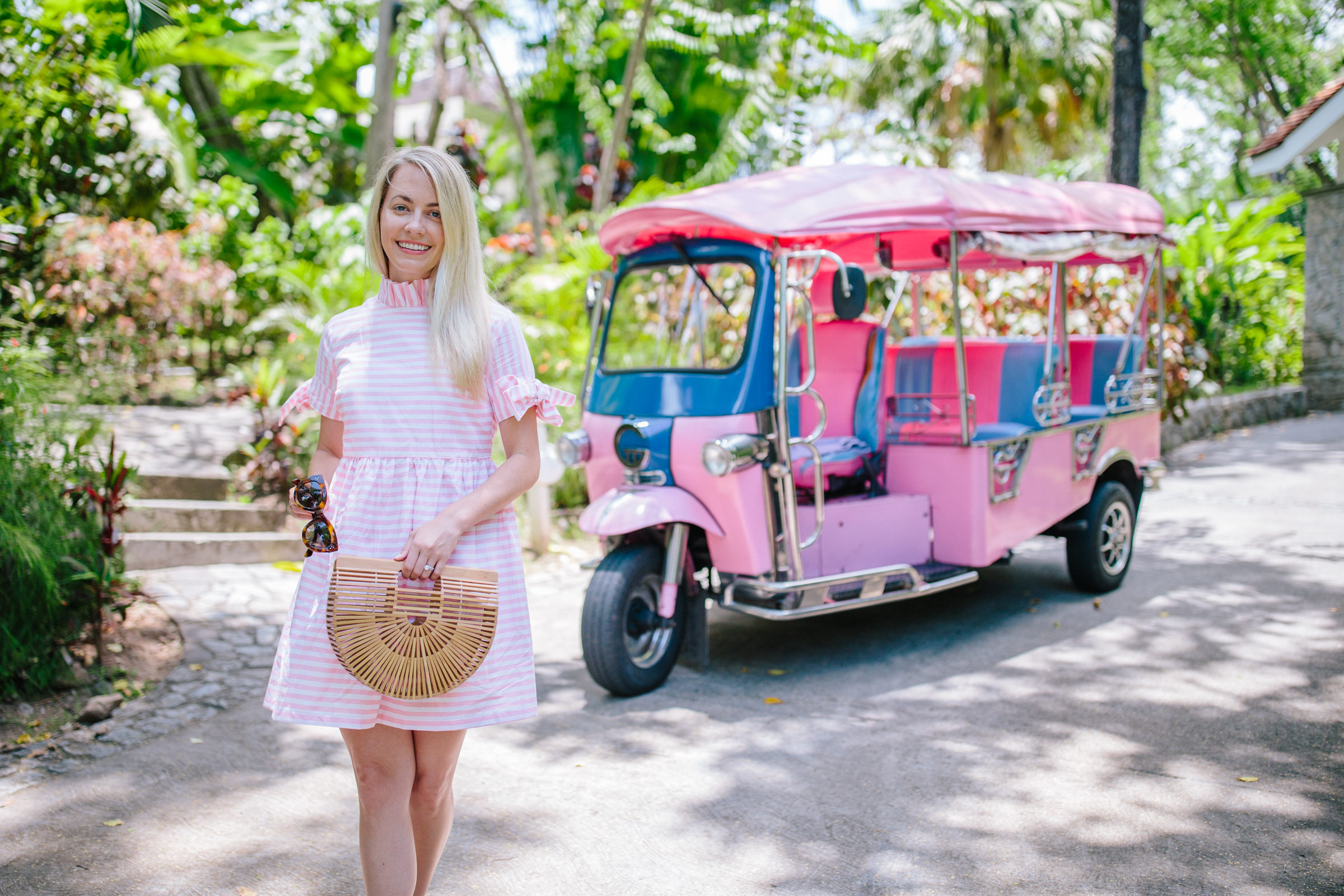 Pink and white dress inspiration for summer // Rhyme & Reason