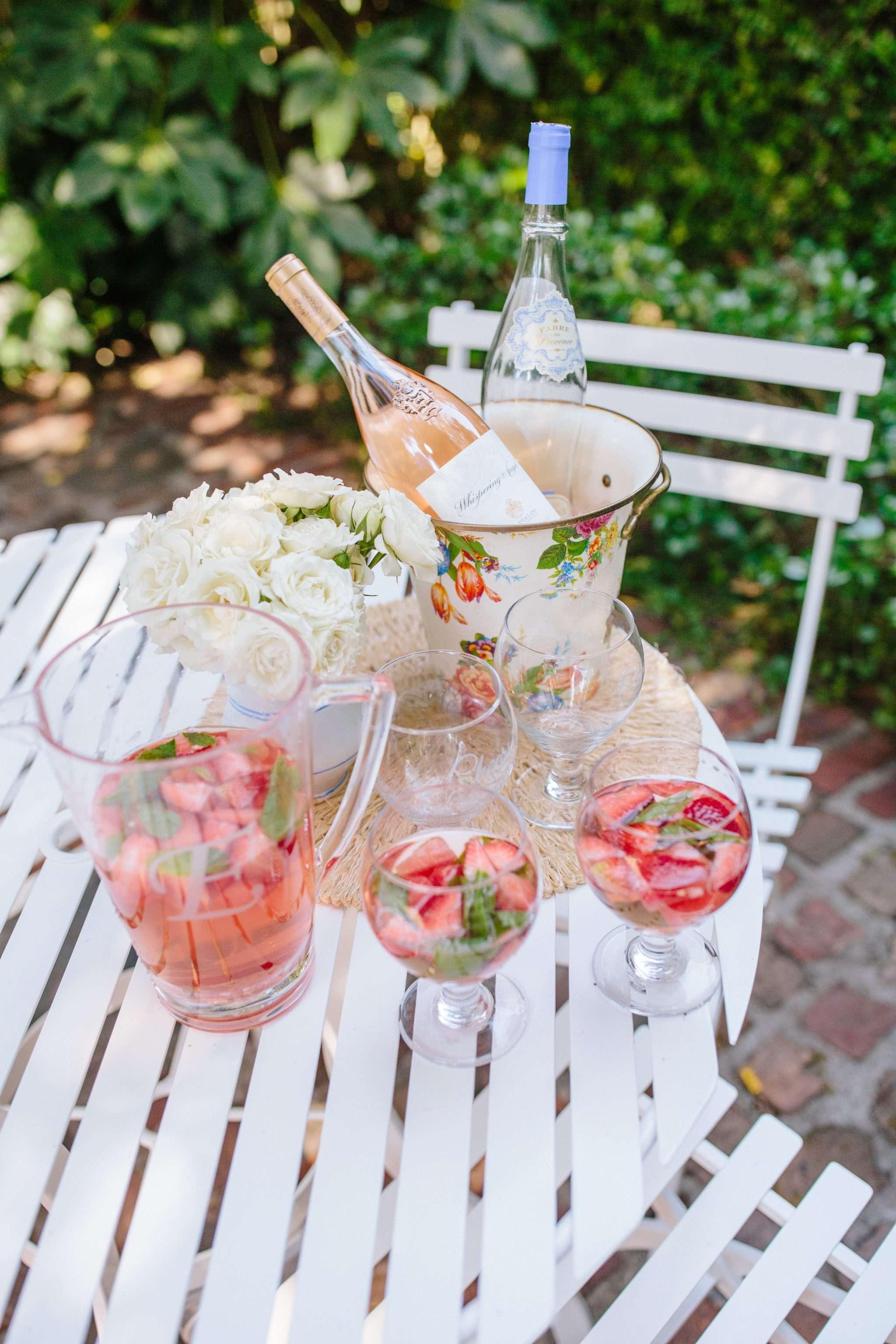 How to throw an al fresco summer sangria party // Rhyme & Reason