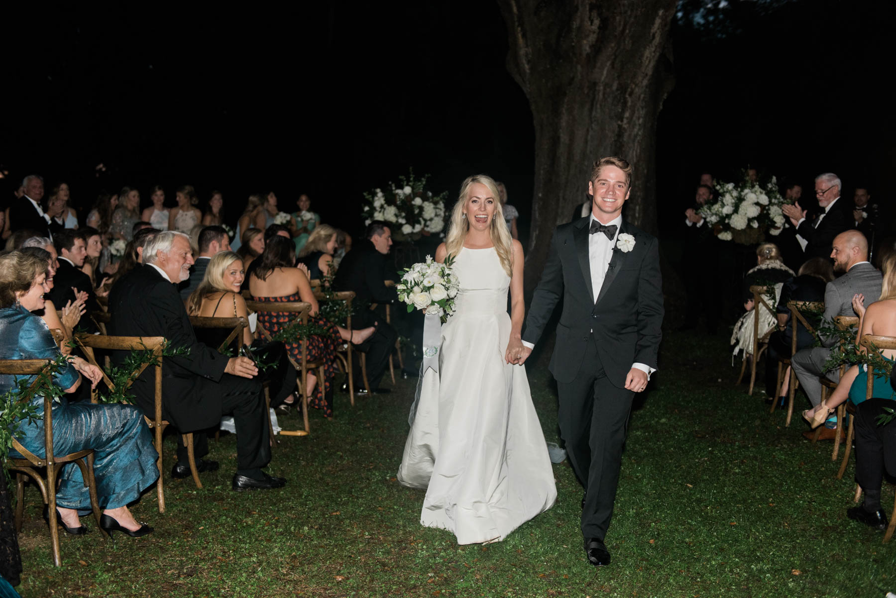 Jillian Attaway Eversole marries the love of her life in Charleston, South Carolina // Rhyme & Reason