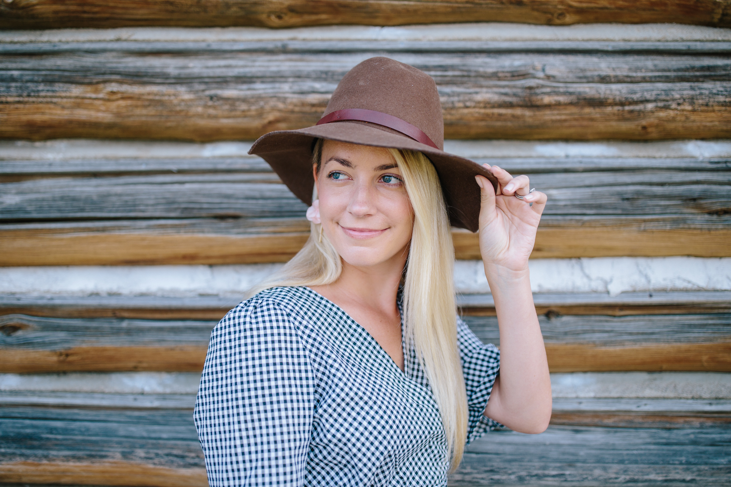 Wide brim hats to buy for fall // Rhyme & Reason