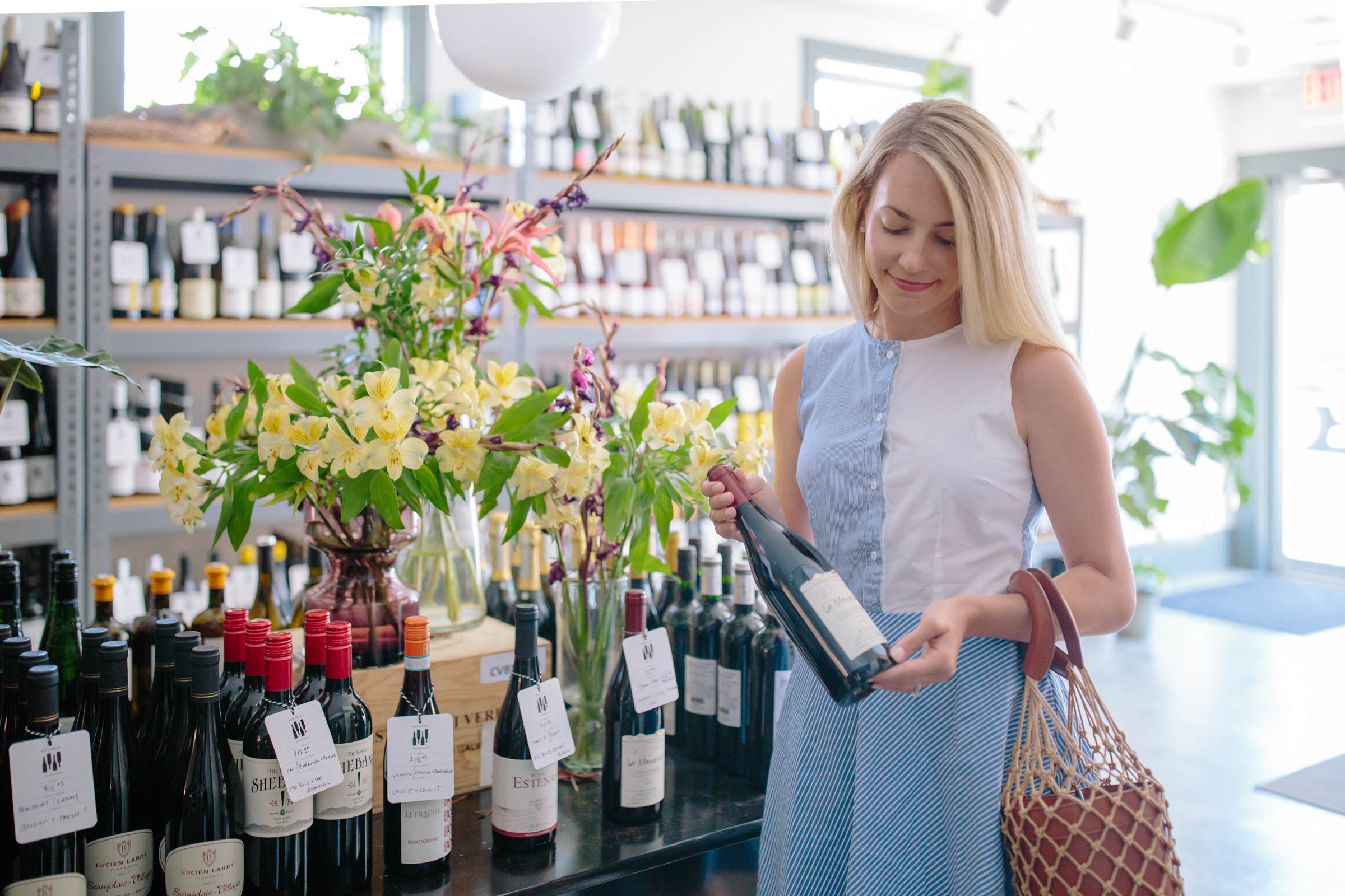 Tips for where to buy and drink wine in Charleston // A guide to the best wine shops in Charleston // Rhyme & Reason