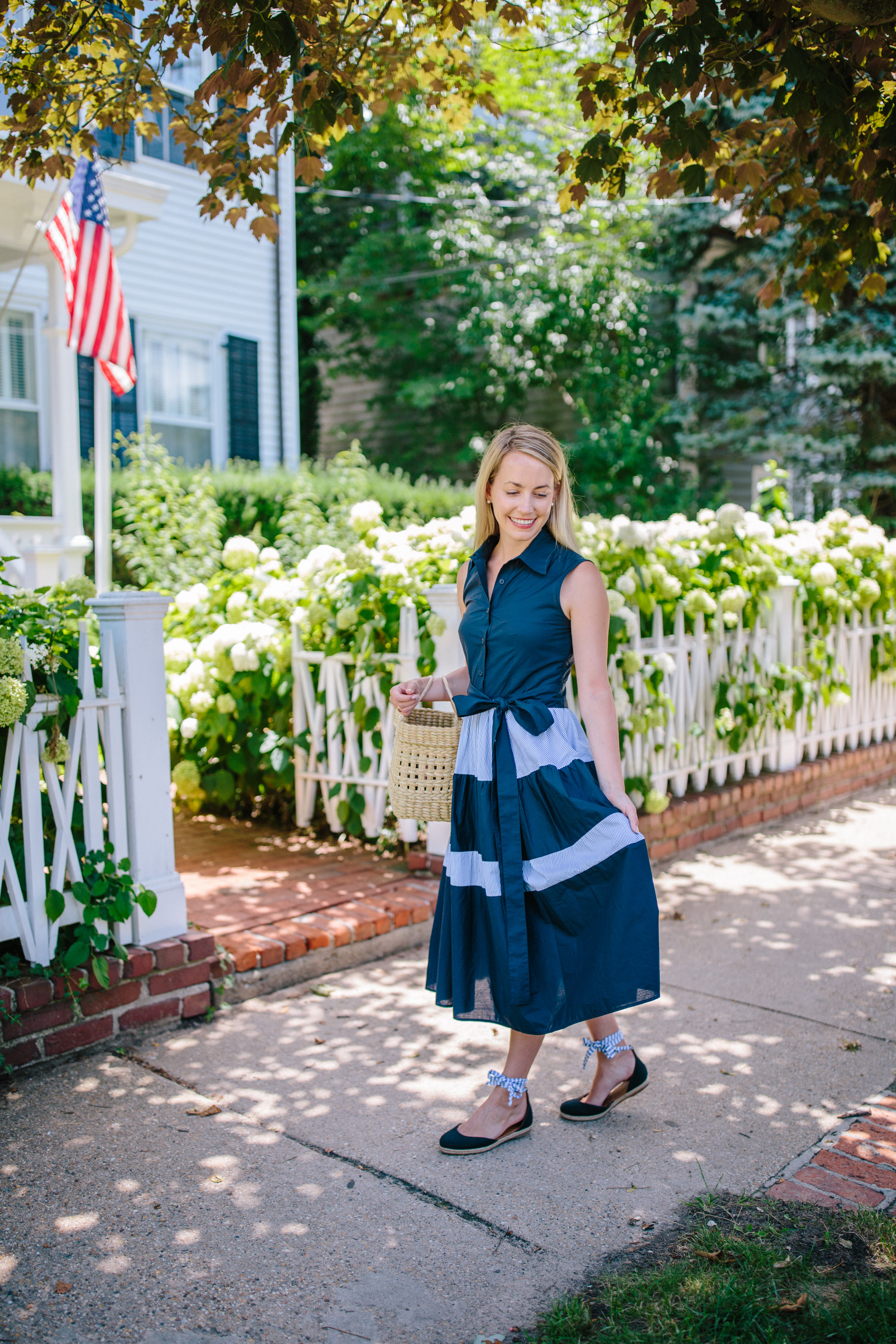 Vineyard Vines Preppy Shirt Dress in Sag Harbor // Rhyme & Reason