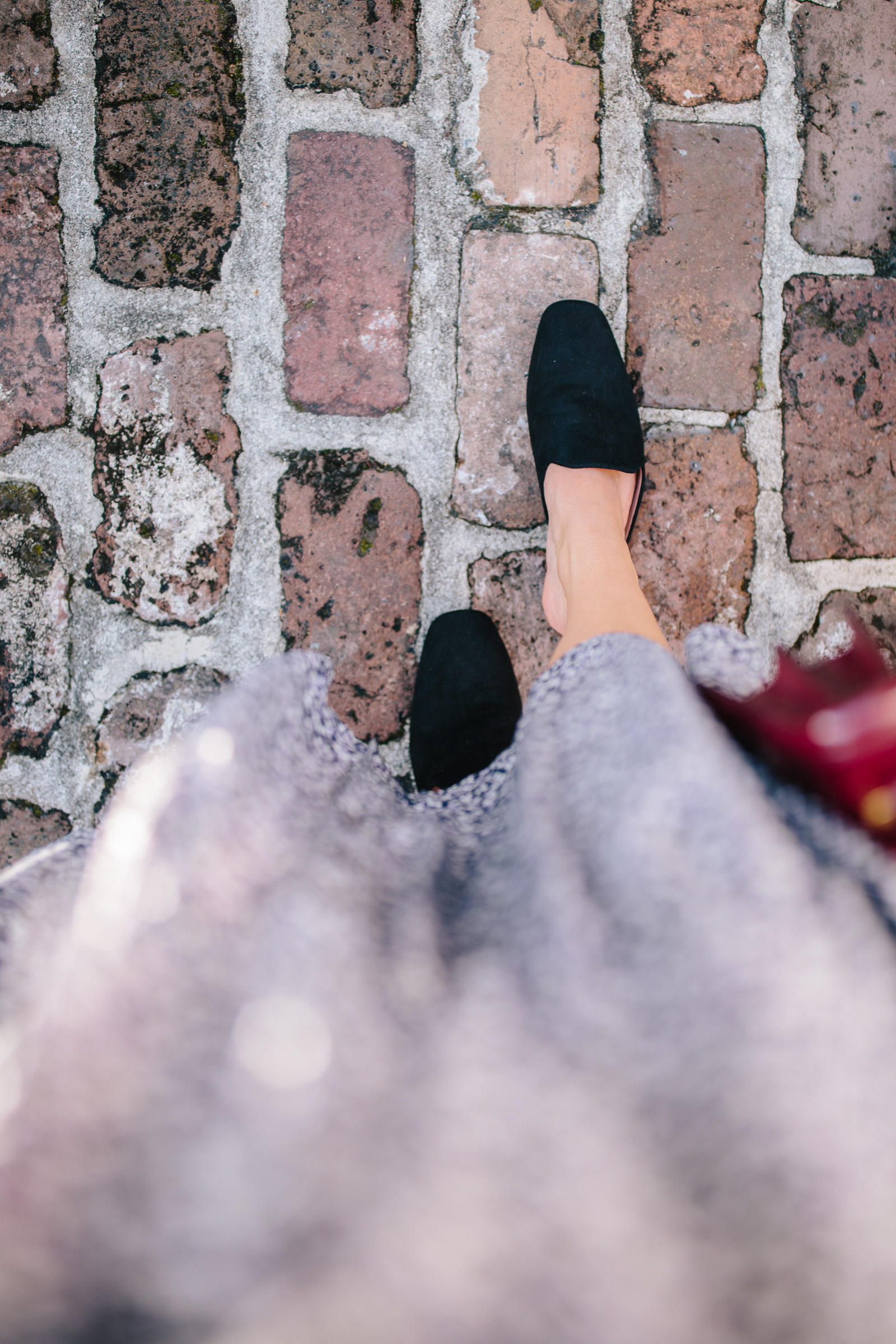 Must-have black mules for fall and winter + where to buy mules on sale for fall // Rhyme & Reason