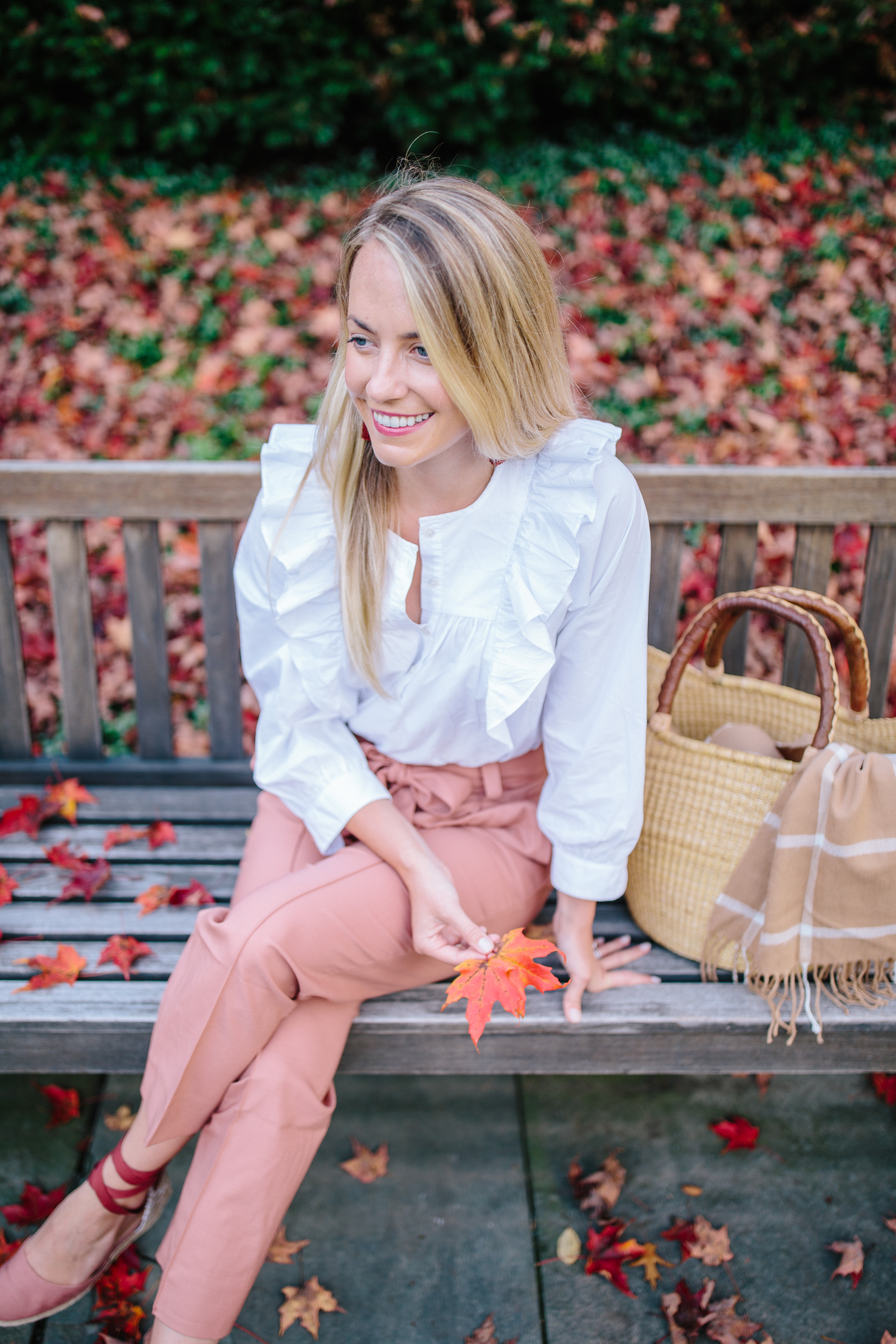 Beautiful pants alternatives to jeans to wear this fall and winter // Rhyme & Reason