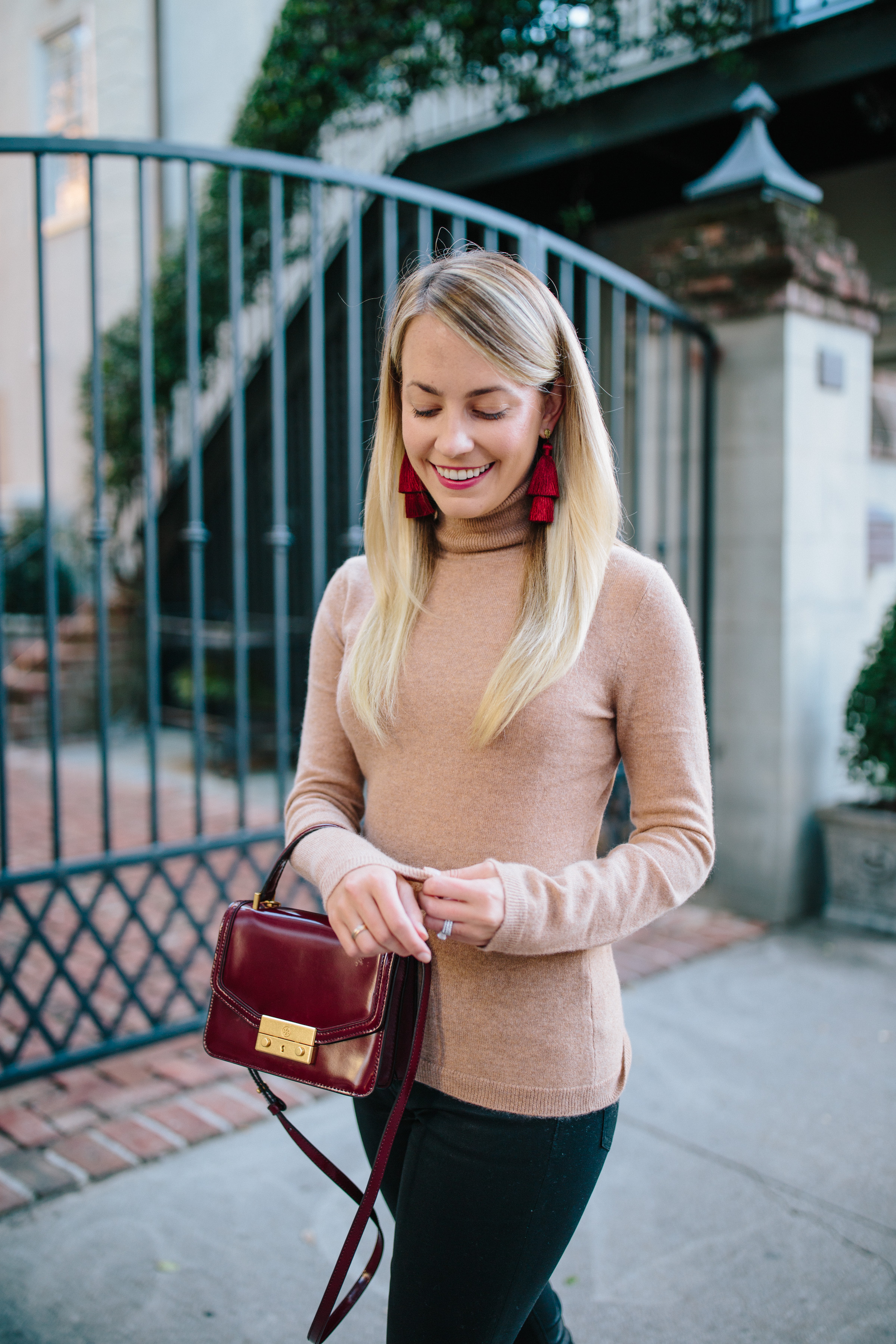The best cashmere turtleneck sweater for women to but this winter // Rhyme & Reason