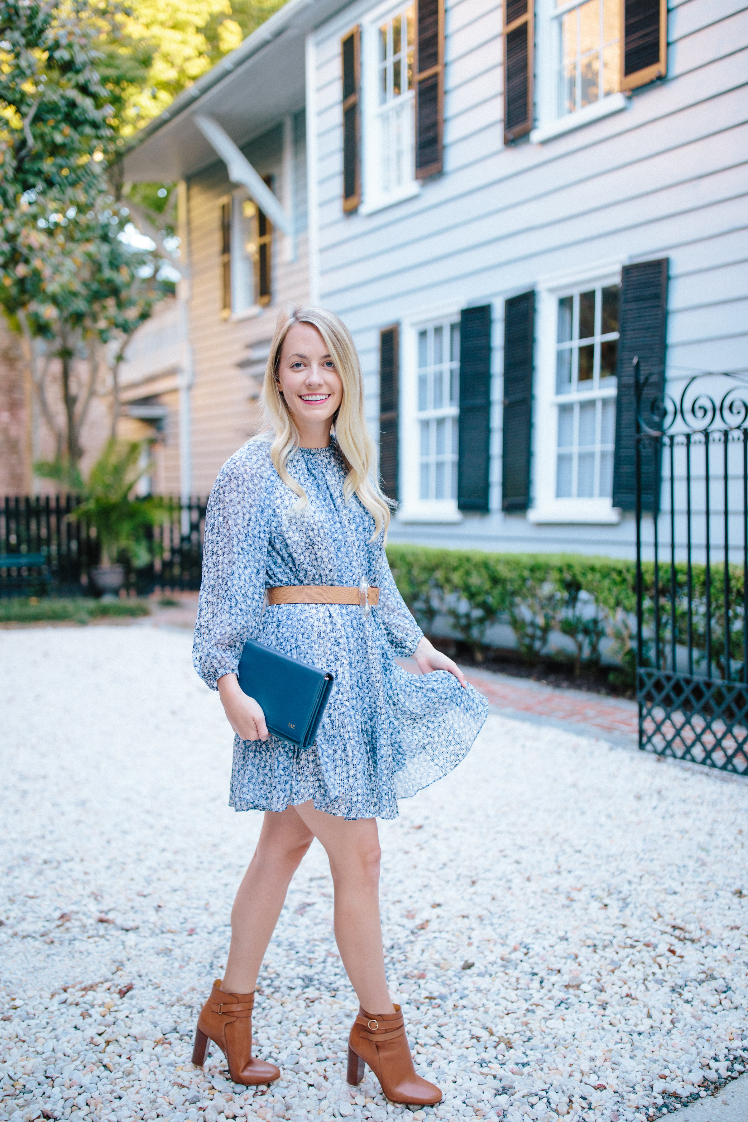 How to wear blue and white after summer // Rhyme & Reason