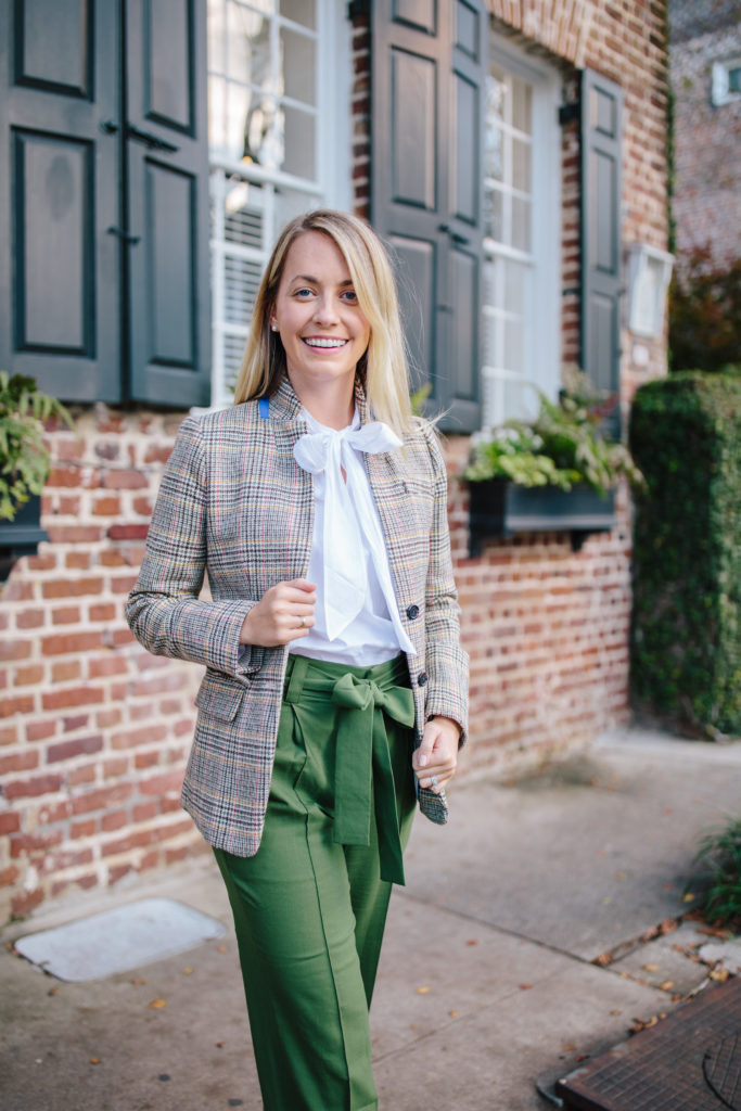 Easy workwear outfits to wear this winter // Rhyme & Reason