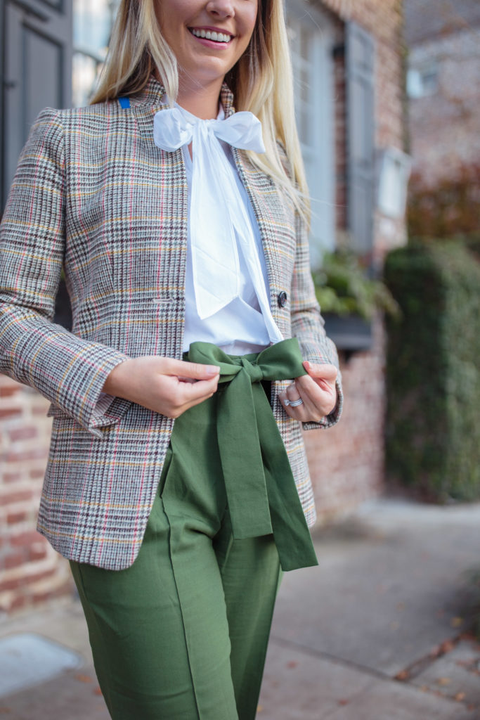 How to Style an Olive Green Pants Outfit // Rhyme & Reason