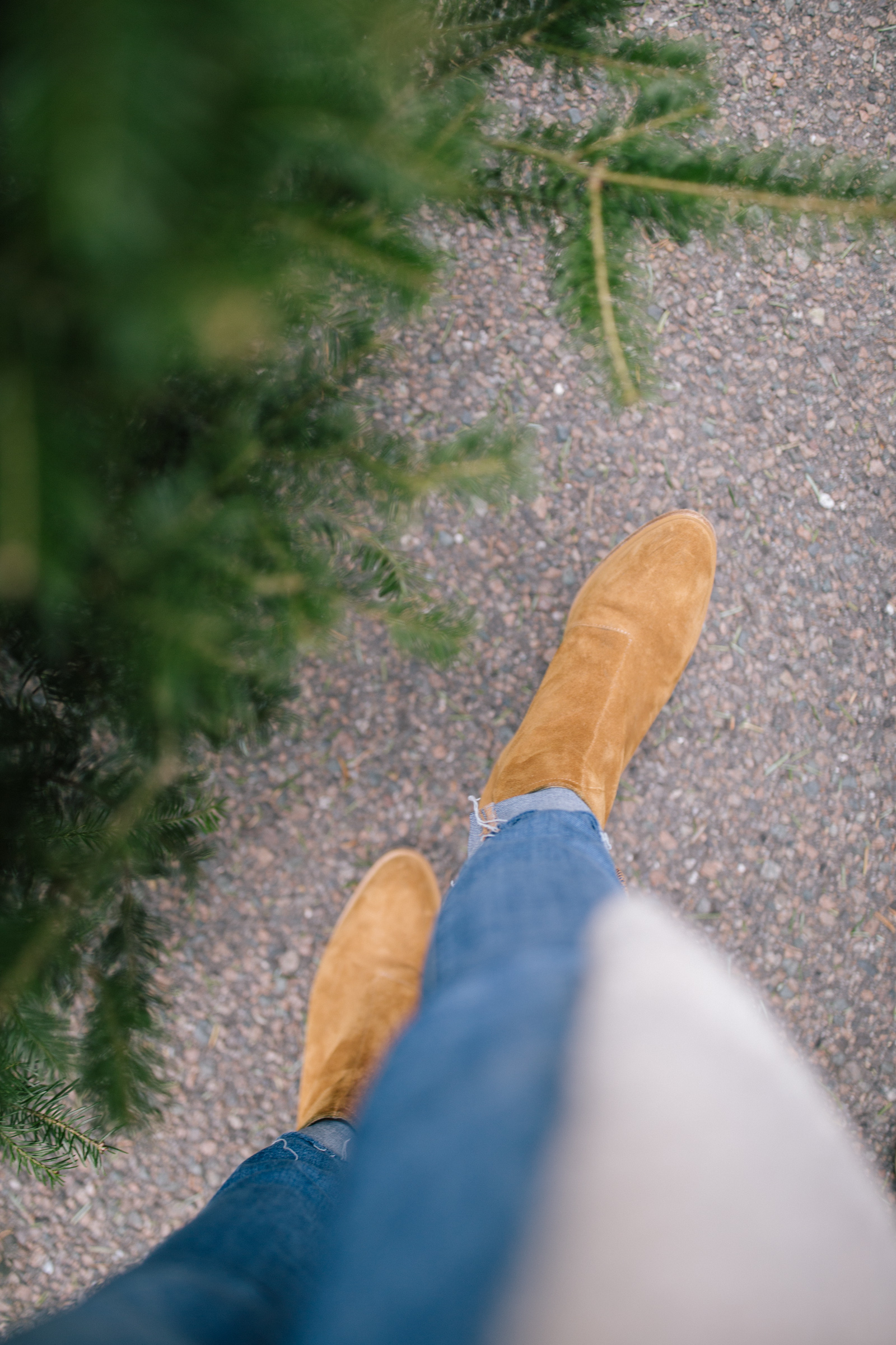 the best suede ankle booties for winter | Rhyme & Reason