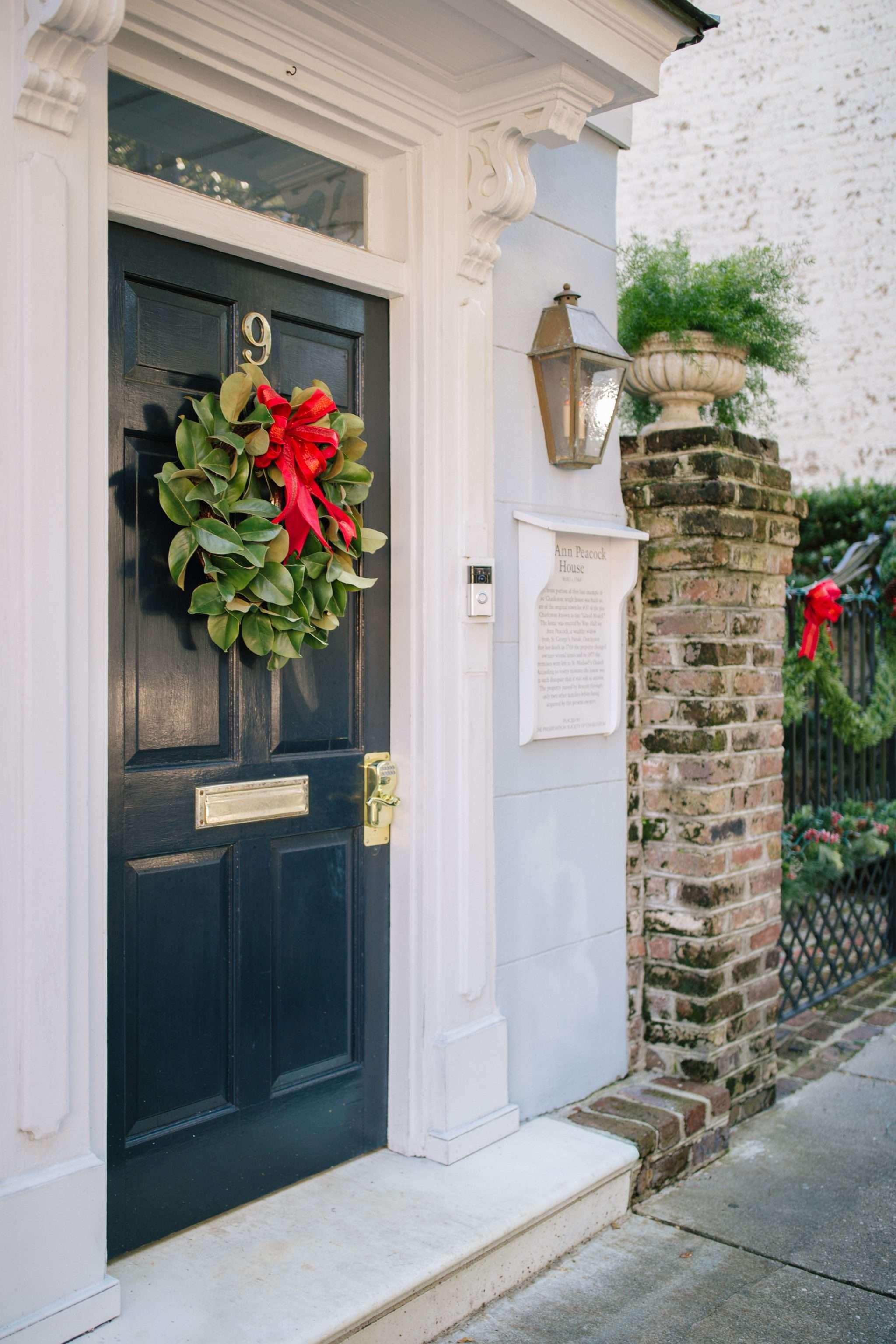Weekend Reads, No. 87 + Christmas in Charleston | Rhyme & Reason