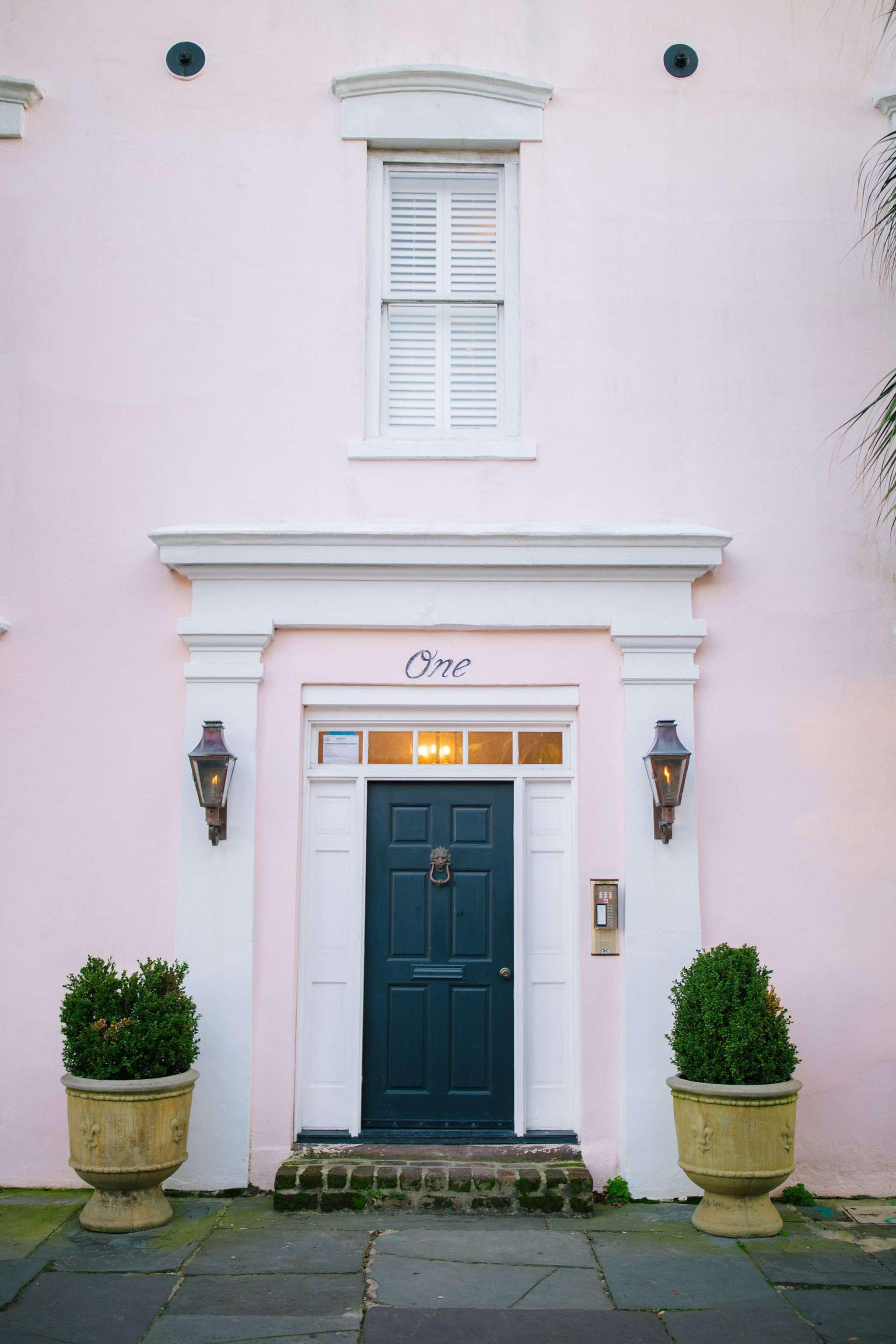 Pink Charleston House Dreams + Weekend Reads, No. 89 | Rhyme & Reason