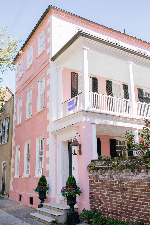 Charming Charleston Pink House + Weekend Reads, No. 94 | Rhyme & Reason
