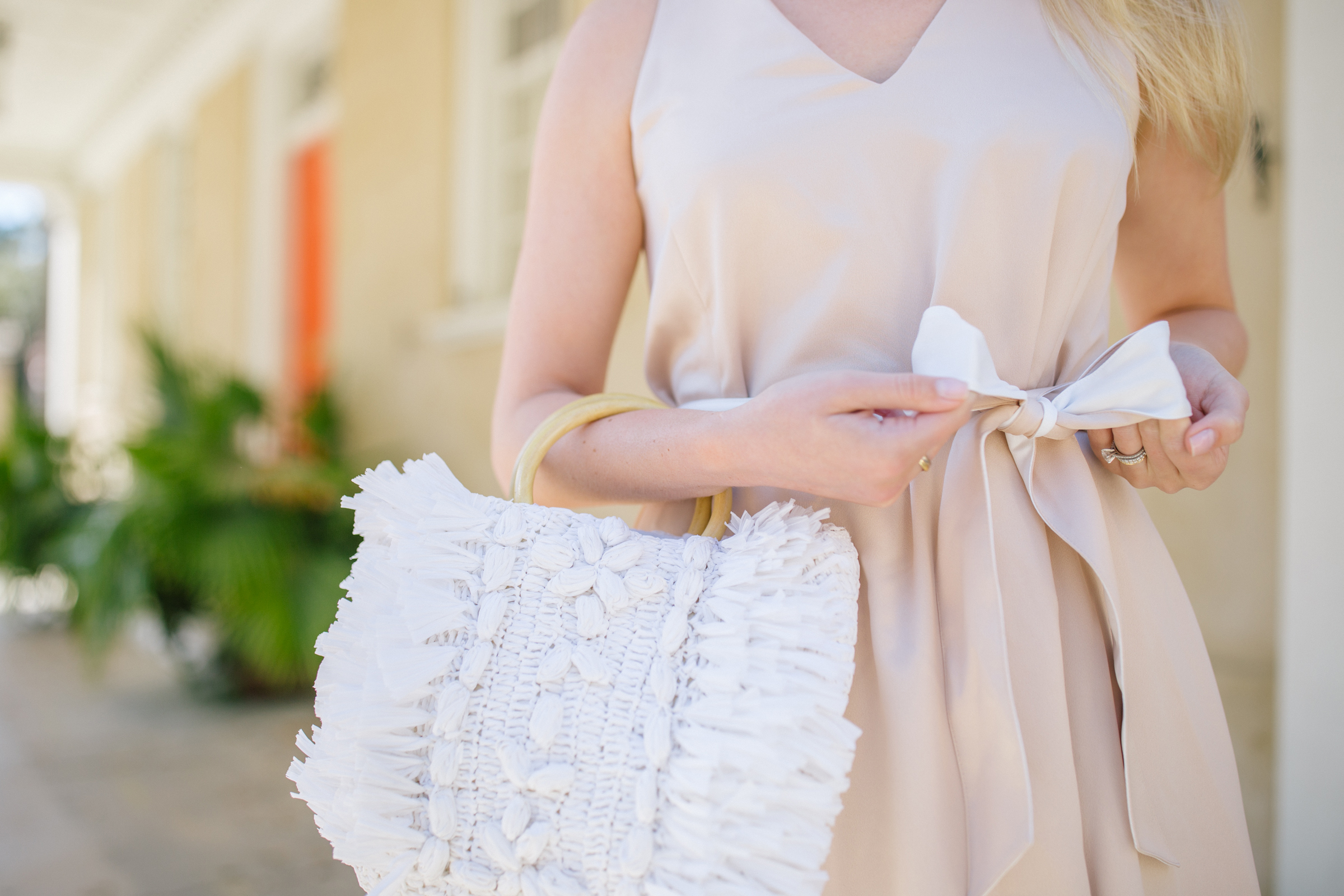 The #1 best white straw purse to carry for spring and summer + where to shop the seasons IT white straw purses | Rhyme & Reason