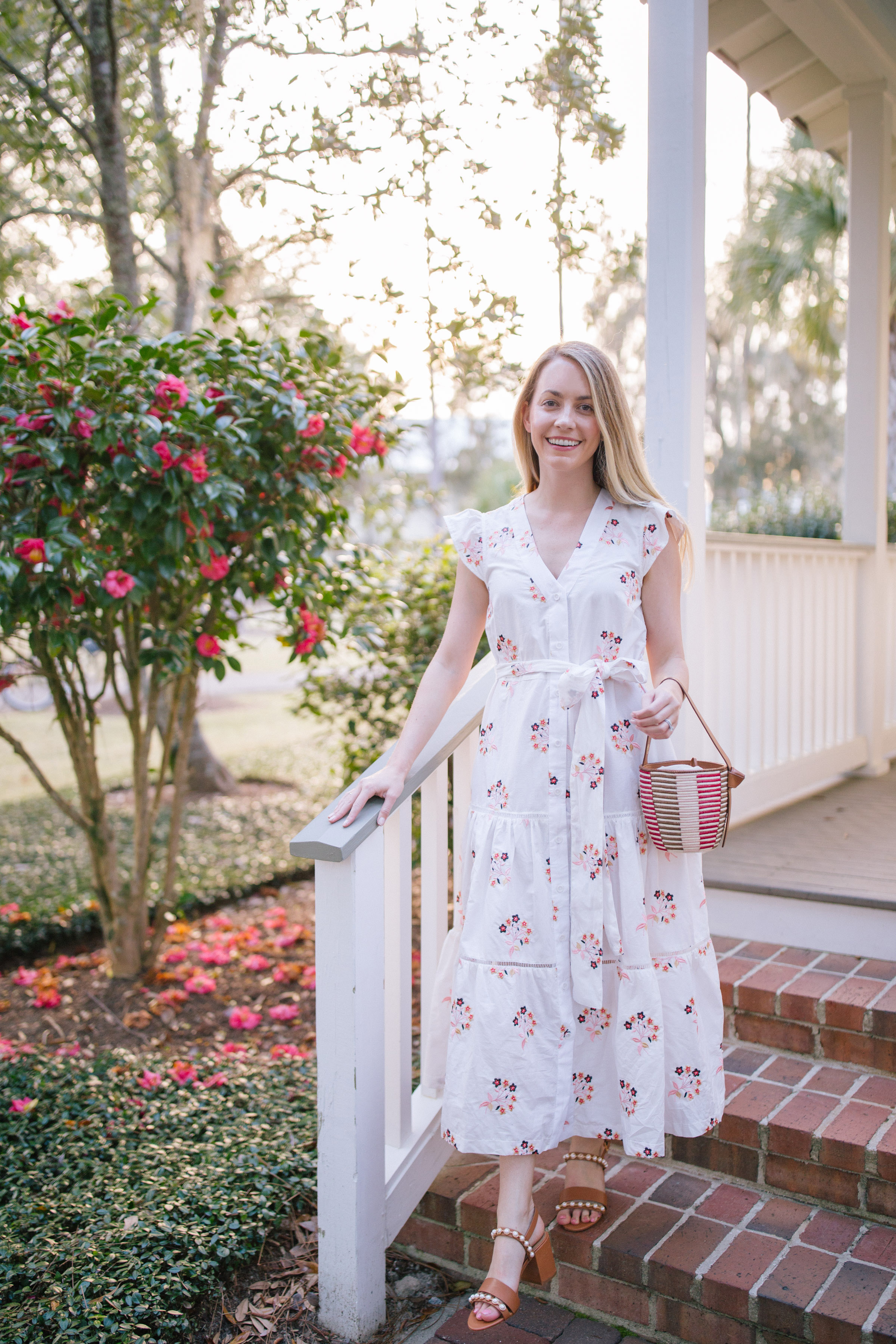 Perfect floral outfit ideas for spring and summer parties | Rhyme & Reason