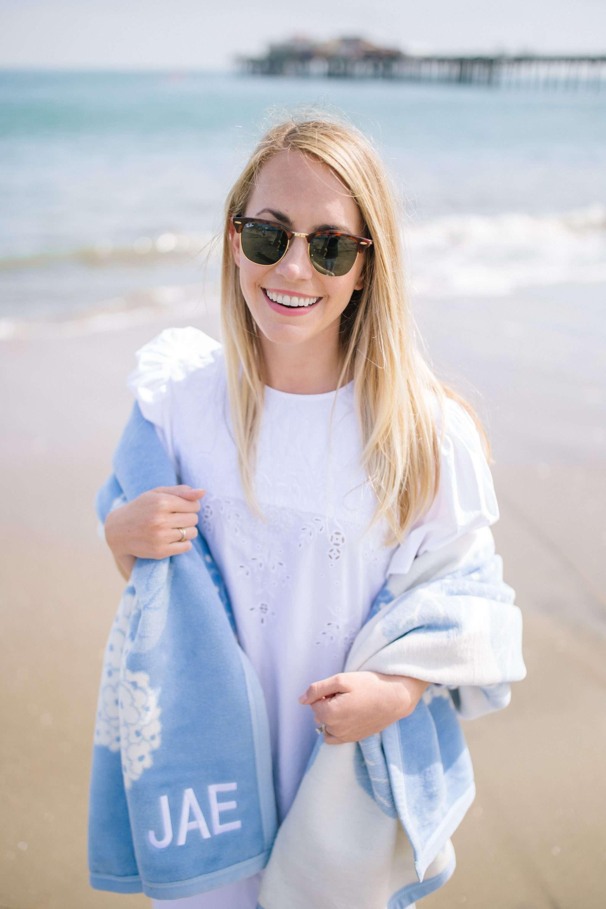 Top 9 Best Outdoor Picnic & Beach Blankets   Rhyme & Reason