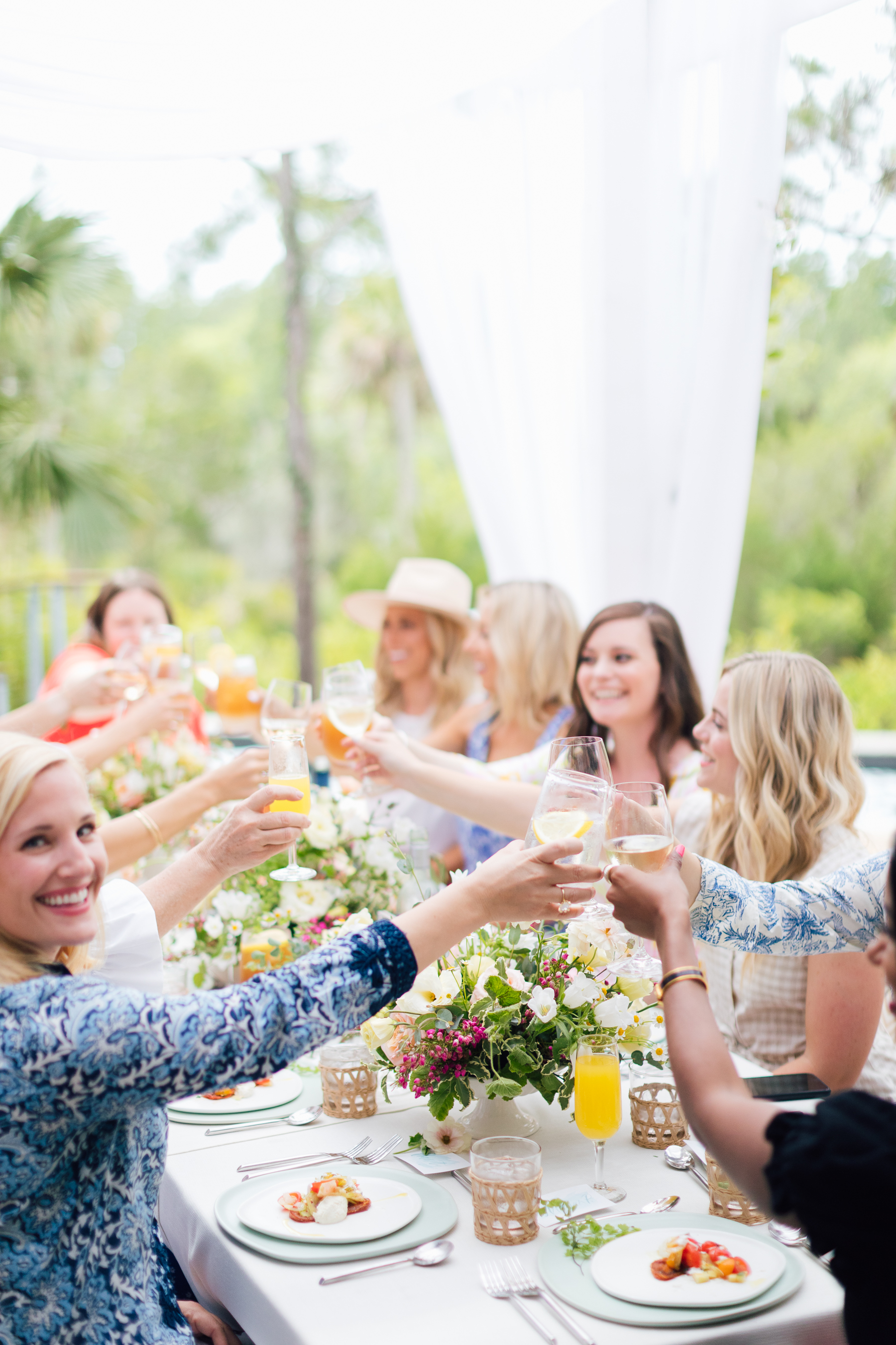 Cheers to summer! How to host an al fresco summer soiree | Rhyme & Reason