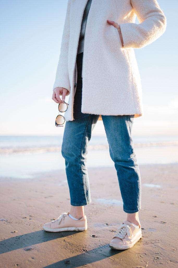 What to wear for a winter beach walk | Rhyme & Reason